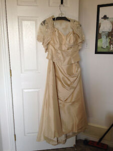 BRIDAL GOWN/MOTHER OF THE BRIDE/GROOM DRESS