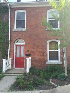 18 Earl St - Town House for Grad / Med Students or Professionals