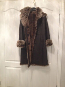 MANTEAU EN CUIR ET MOUTON / LEATHER AND SHEEP COAT