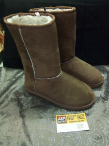 R.F.N.Y Winter Boots Size 7 (NEW)