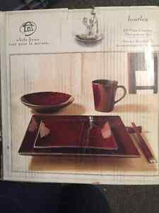 16 piece Brand New Ceramic Dinnerware Set