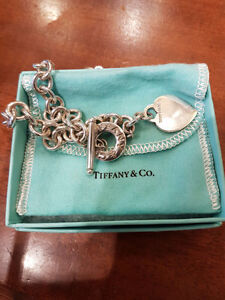 *** AUTHENTIC TIFFANY HEART CHARM TOGGLE NECKLACE ***