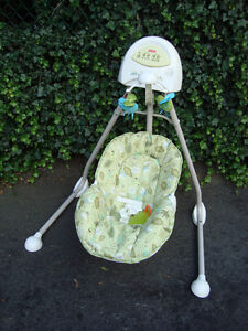 Fisher-Price Cradle 'n Swing, Scatterbug - SOLD!