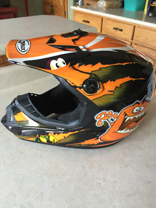 GMAX youth helmet