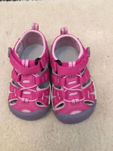 Toddler Girl's Keen Sandals (US Size 4 / EU Size 19)