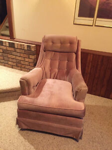 Swivel Chair Price Reduction  Regina Regina Area image 1