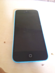 IPhone 5c Unlocked 8gb with Otterbox case