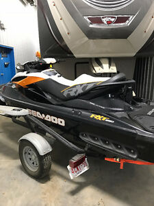 Like New 260 hp Rxt sea doo Low Hours!