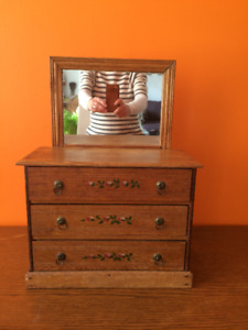 Boîte à bijoux antique / antique jewellery box