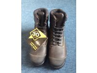 Brand-new: Oliver AT55 series steel Safety boots, size 10