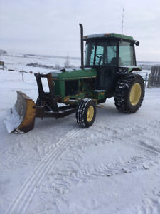 JD 2755 TRACTOR