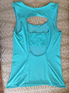 Lululemon Turquoise Run Righteous Tank Size 4/6 Like New London Ontario image 1