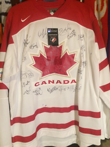 Canada Womens team signed jersey 2010 Olympics