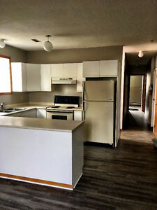 Beautiful Current River Living! Available NOW, $1100+Gas