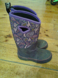Bogs boots size 12 girls