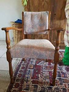 Antique Chair Garran Woden Valley Preview