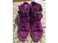 Addidas high tops size 5