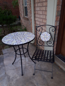 METAL AND MOSAIC BISTRO TABLE AND METAL FOLDING CHAIR