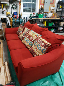 Priced to go! Couch c/w accent pillows