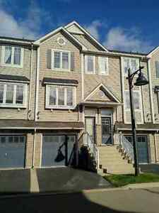 BEAUTIFUL BEACH FRONT TOWNHOUSE FOR LEASE!