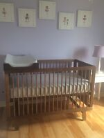 Oeuf Sparrow Crib with changing table