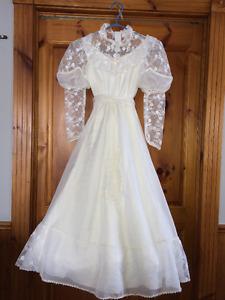 Robe de bouquetière blanche et longue