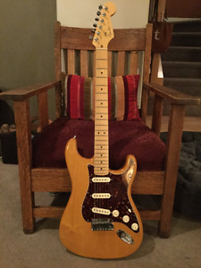 Fender American Deluxe Stratocaster  - Amber - Mint