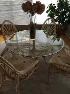 MUST SELL WICKER RATTAN DINNING TABLE SET
