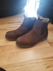 Mens Leather Boots-size 10