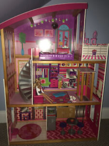 Barbie House with accessories