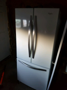 Frigidaire whirlpool 30 pouces / whirlpool fridge 30 inches