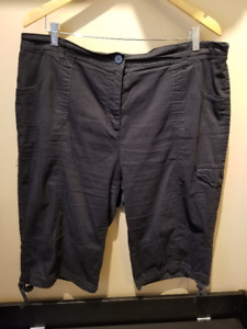 $5-10 WOMENS CAPRI PANTS SOME BRAND NEW SOME GENTLEY USED.