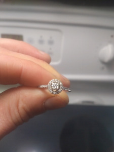 Beautiful Wedding Ring Set - $2500 professionally assessed value