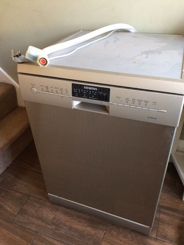 siemens sd6p1s full size dishwasher sold in derby. Black Bedroom Furniture Sets. Home Design Ideas