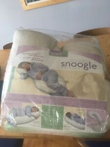 Snoogle pregnancy pillow