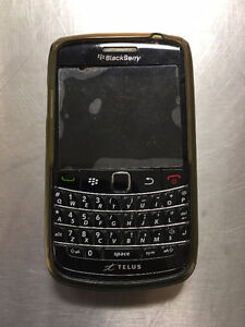 BlackBerry Bold 9780 with Charging Cradle