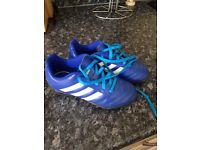 Boys Astro trainers footbsll
