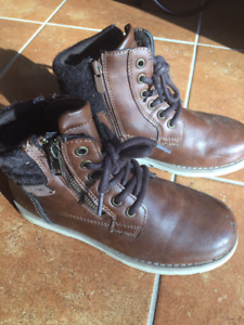 Size 3 boys winter/fall boots
