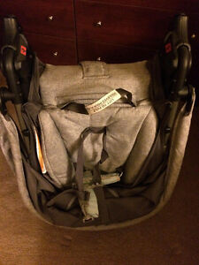 Selling safety1st stroller, carseat and base Windsor Region Ontario image 5