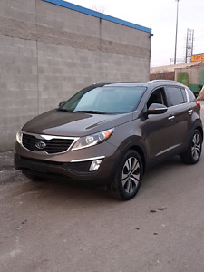 2012 Kia Sportage sold safety and E-tested AWD loaded