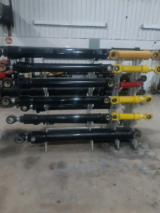 Tigercat and John Deere  Hydraulic Cylinders