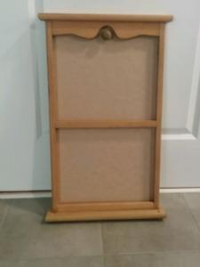 Wood calendar frame