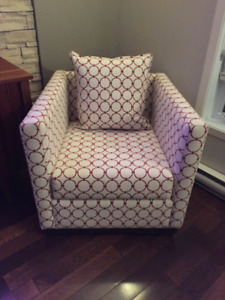 Superbe Fauteuil *** Gorgeous Accent Chair / Armchair