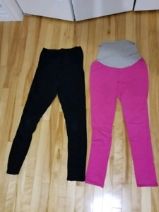Well loved Maternity leggings size small.