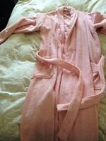 Woman's pink robe size XL
