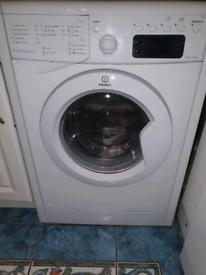 Indesit 1600 spin washing