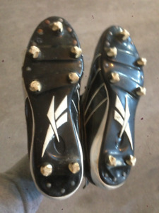 SIZE 10.5 - REEBOK CLEATS FOR SALE!