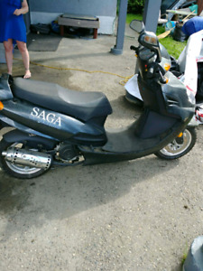 Saga by Benzhou gas scooter ***REDUCED***