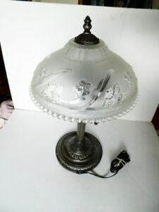 Vintage retro look desk or table lamp with glass shade working