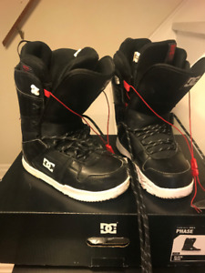 DC Boys/ Mens- SnowBoard Boots- Great Condition